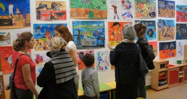 Exposer les œuvres des enfants