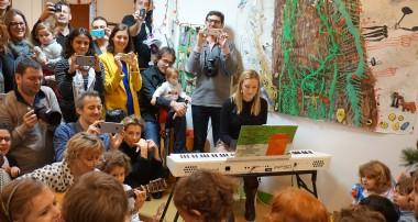 «Amy's minute» : 13 th of december 2014-Christmas party at La Maison de L'Enfant!